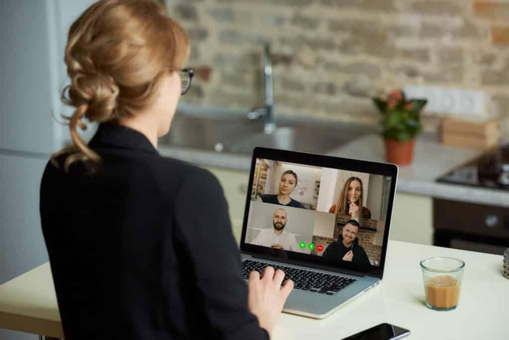 Audiência virtual sendo realizada